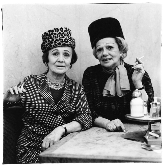 DIANE ARBUS Two ladies at the automat, N.Y.C. 1966 © The Estate of Diane Arbus