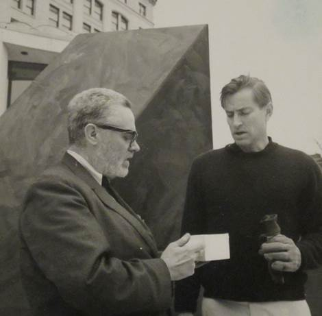 Sam with Tony Smith at the Wadsworth Atheneum, mid-1960s (Courtesy of The Wadsworth Atheneum of Art)